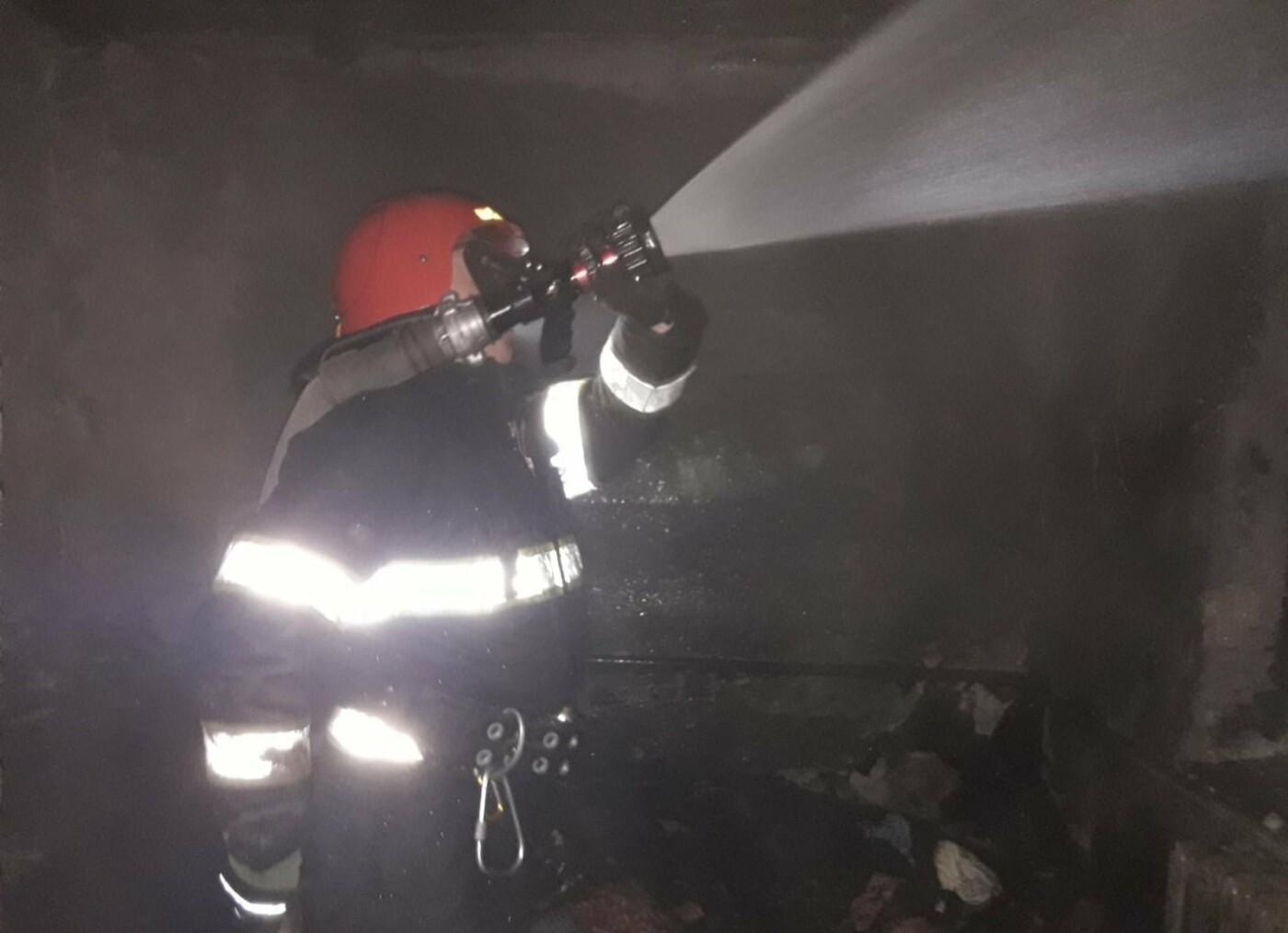 """У Заліссі горів приватний житловий будинок, фото-1, Фото: """"Служба порятунку 101 Кам'янець-Подільський"""""""
