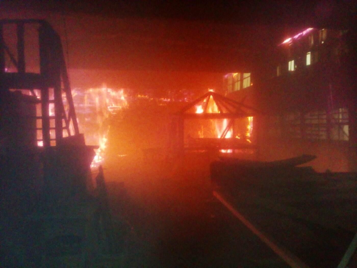 У селі Кам'янка горіла приватна господарча споруда, фото-6