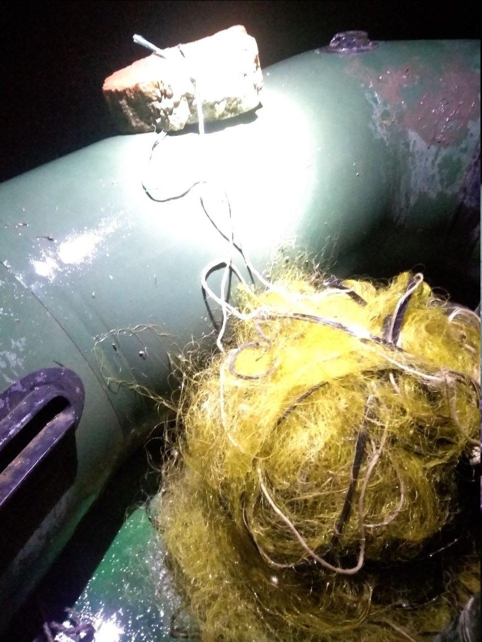 На Кам'янеччині оштрафували рибалок та вилучили заборонені знаряддя лову , фото-1, Фото: Чернівецький рибоохоронний патруль