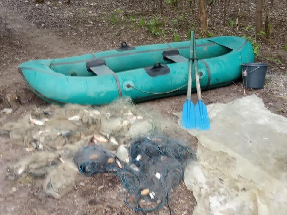 Водна поліція Кам'янеччини натрапила на браконьєра на річці Дністер, фото-2, Фото: Кам'янець-Подільське районне управління поліції