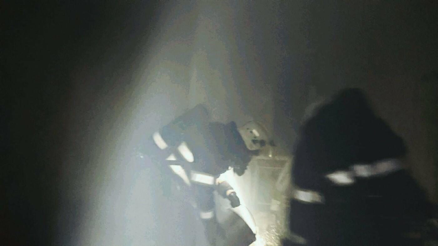 """На Привокзальній горіла кімната в гуртожитку, фото-2, Фото: """"Служба порятунку 101 Кам'янець-Подільський"""""""