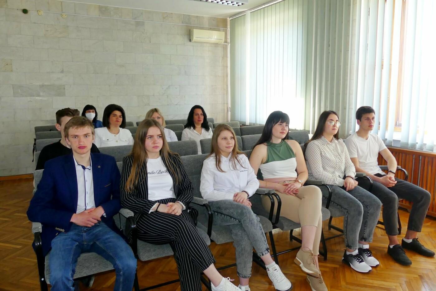 У Кам'янці визначено переможців регіонального дебатного турніру серед молоді, фото-1, Фото: Кам'янець-Подільська міська рада