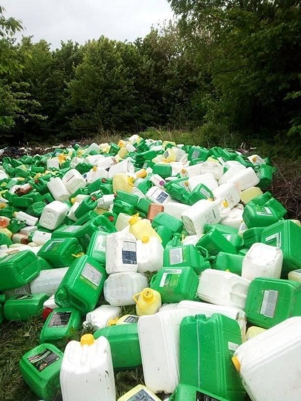 На Кам'янеччині екологи виявили в лісі звалище каністр від пестицидів, фото-2, Фото: Державна екологічна інспекція у Хмельницькій області
