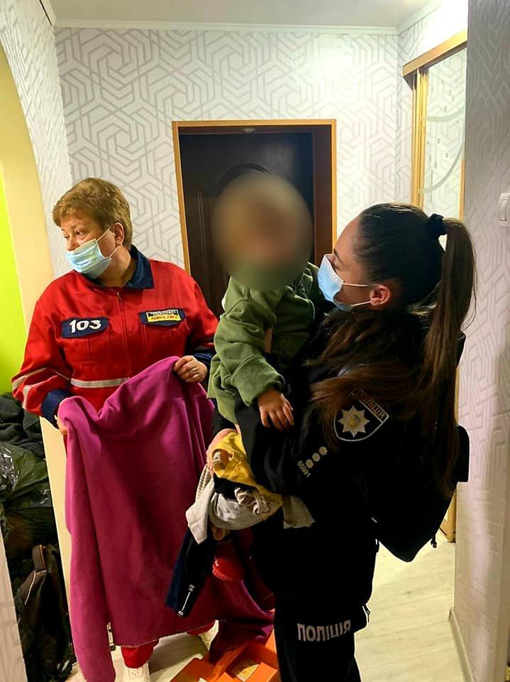 У Кам'янці-Подільському 10-річна дівчинка, просила у продавця допомоги через п'яну..., фото-3, Фото: Кам'янець-Подільське районне управління поліції