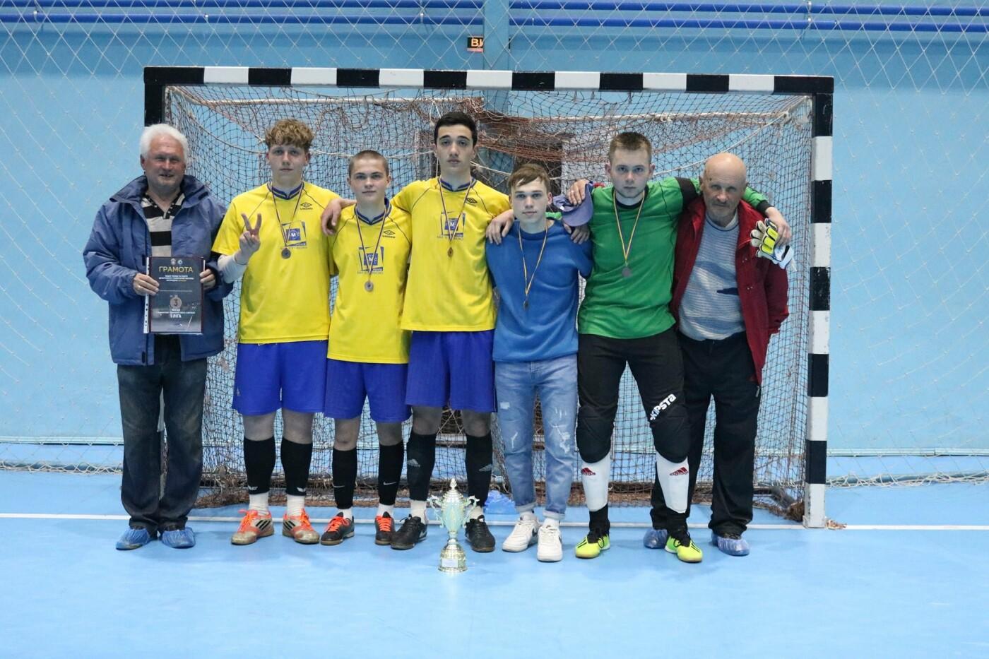 У Кам'янці вперше проходив чемпіонат з футболу серед любителів та професіоналів, фото-4