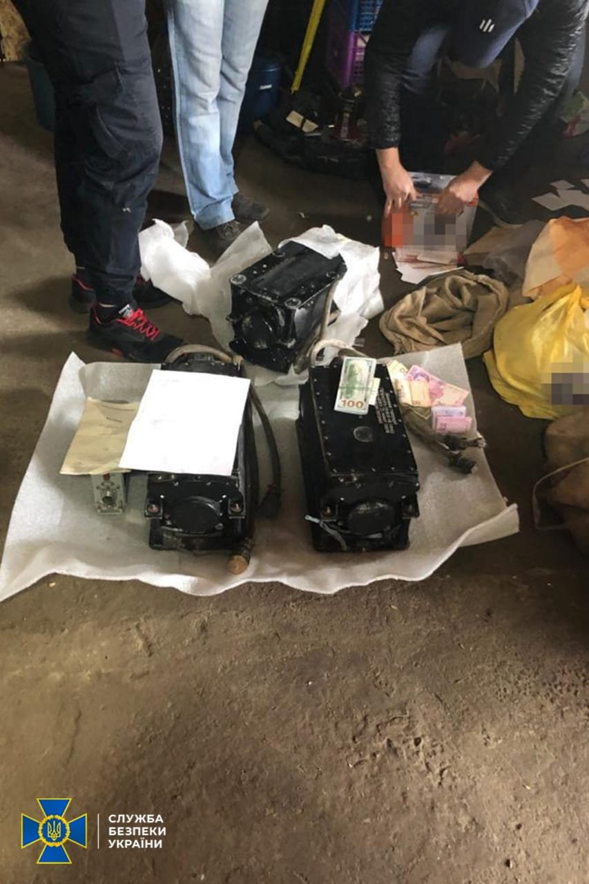 На Хмельниччині блокували викрадення і реалізацію комплектуючих до військової авіатехніки, фото-1