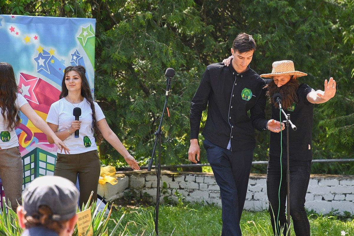 У Ботанічному саду відбулася студентська ліга гумору, фото-17