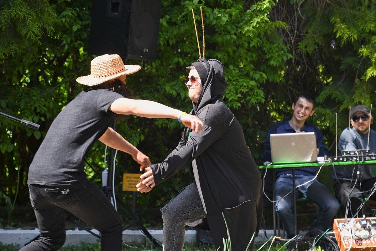 У Ботанічному саду відбулася студентська ліга гумору, фото-16