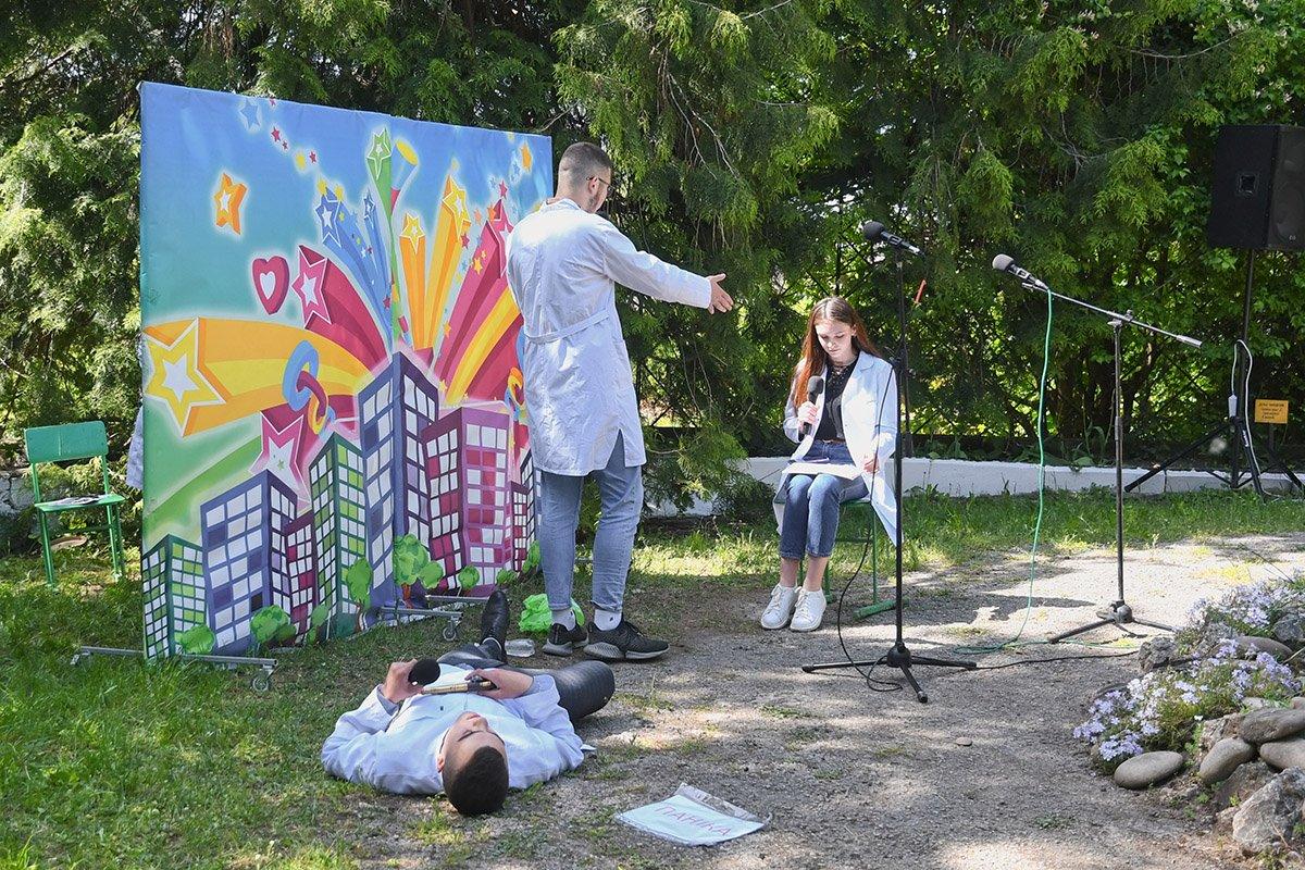 У Ботанічному саду відбулася студентська ліга гумору, фото-14