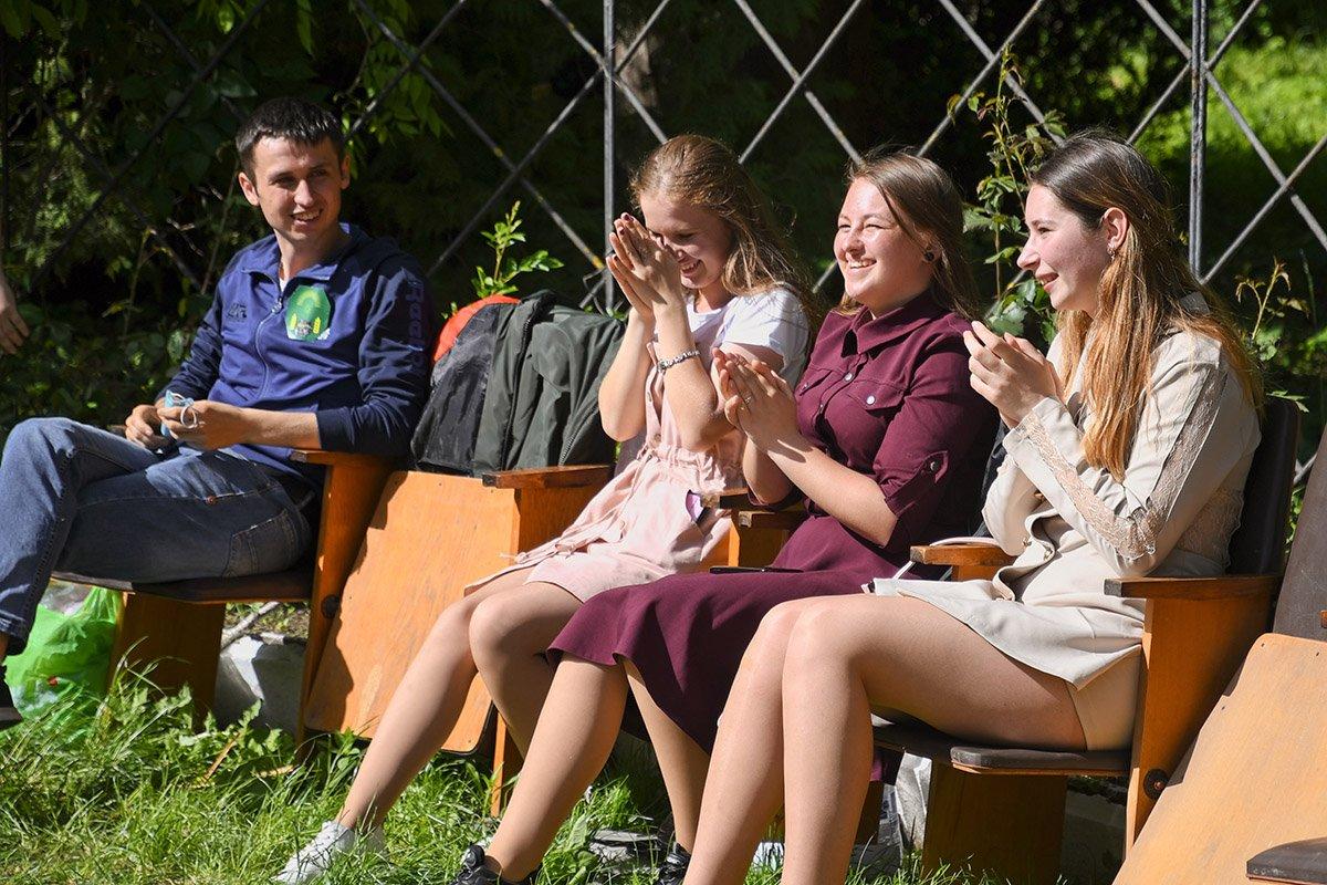 У Ботанічному саду відбулася студентська ліга гумору, фото-4