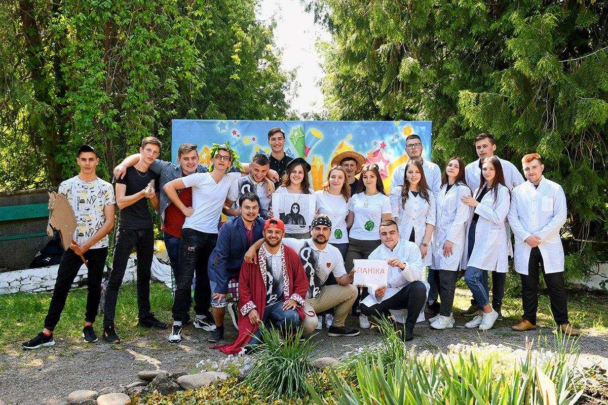 У Ботанічному саду відбулася студентська ліга гумору, фото-2