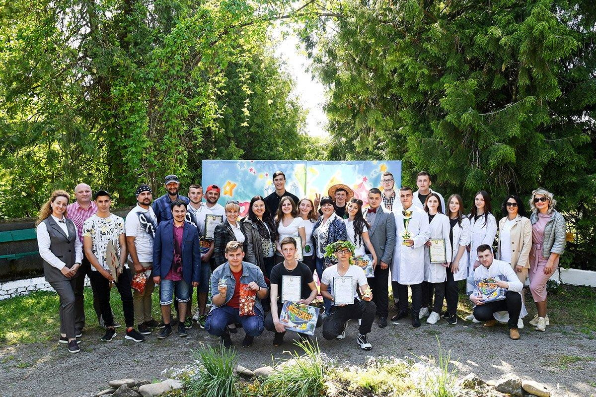 У Ботанічному саду відбулася студентська ліга гумору, фото-1