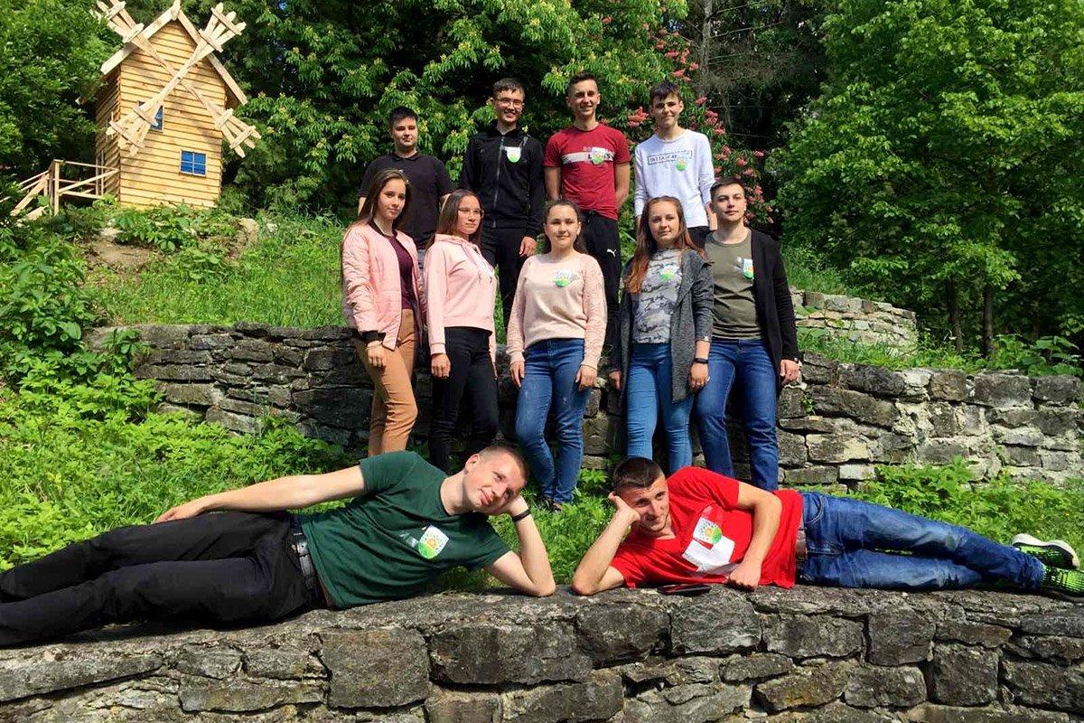 """Студенти ПДАТУ шукали """"Квітки папороті"""" у Ботанічному саду, фото-3"""