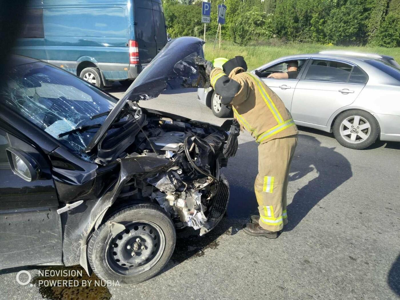 У Кам'янці-Подільському трапилася ДТП за участі двох автівок, фото-1