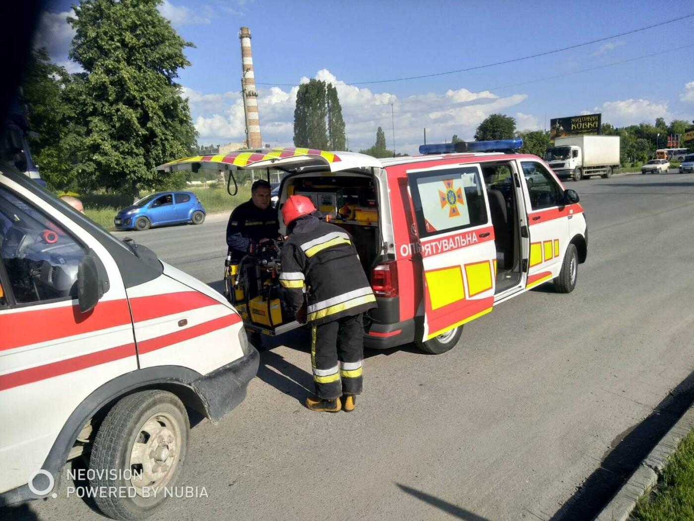 У Кам'янці-Подільському трапилася ДТП за участі двох автівок, фото-2