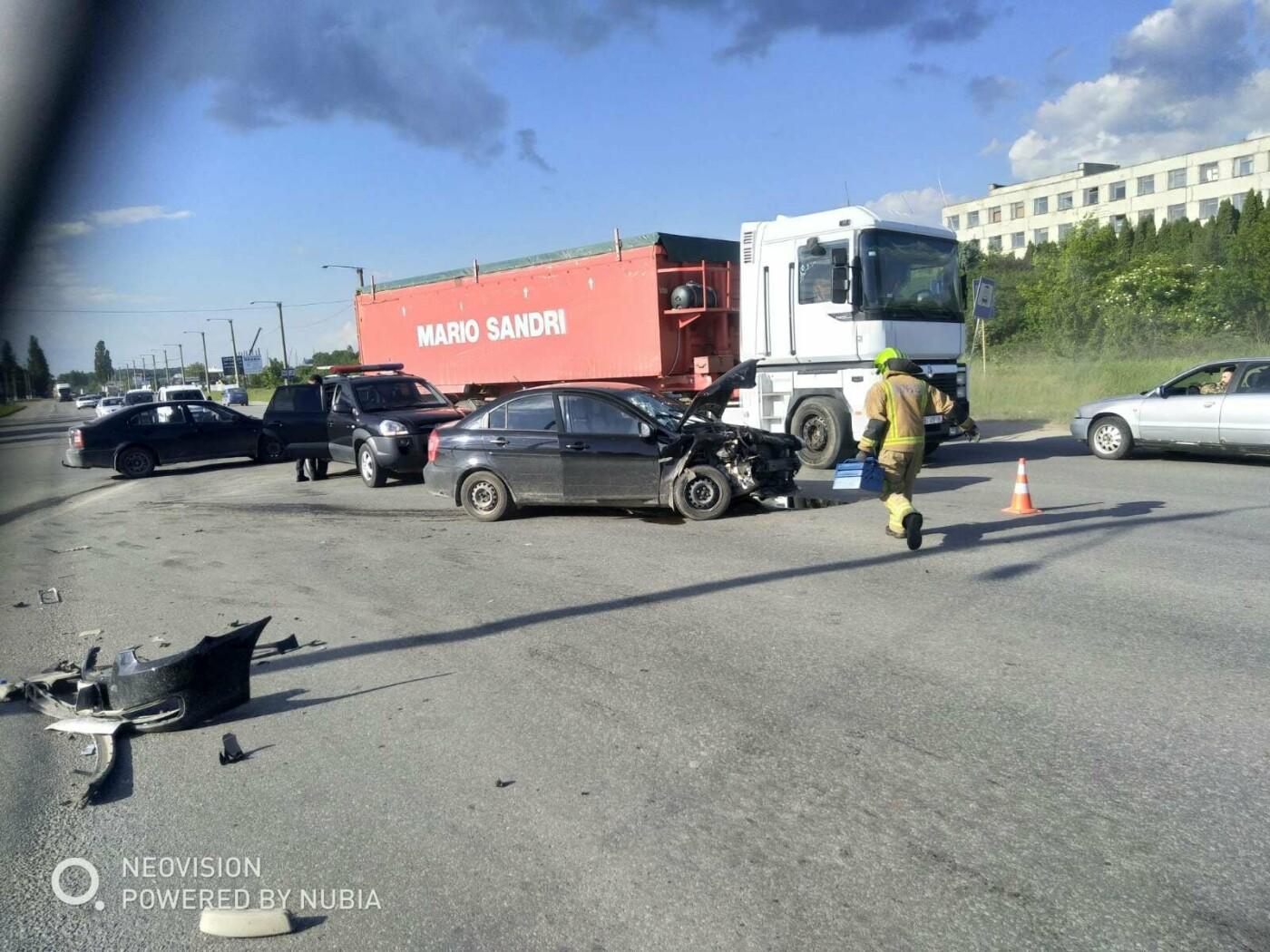 У Кам'янці-Подільському трапилася ДТП за участі двох автівок, фото-3