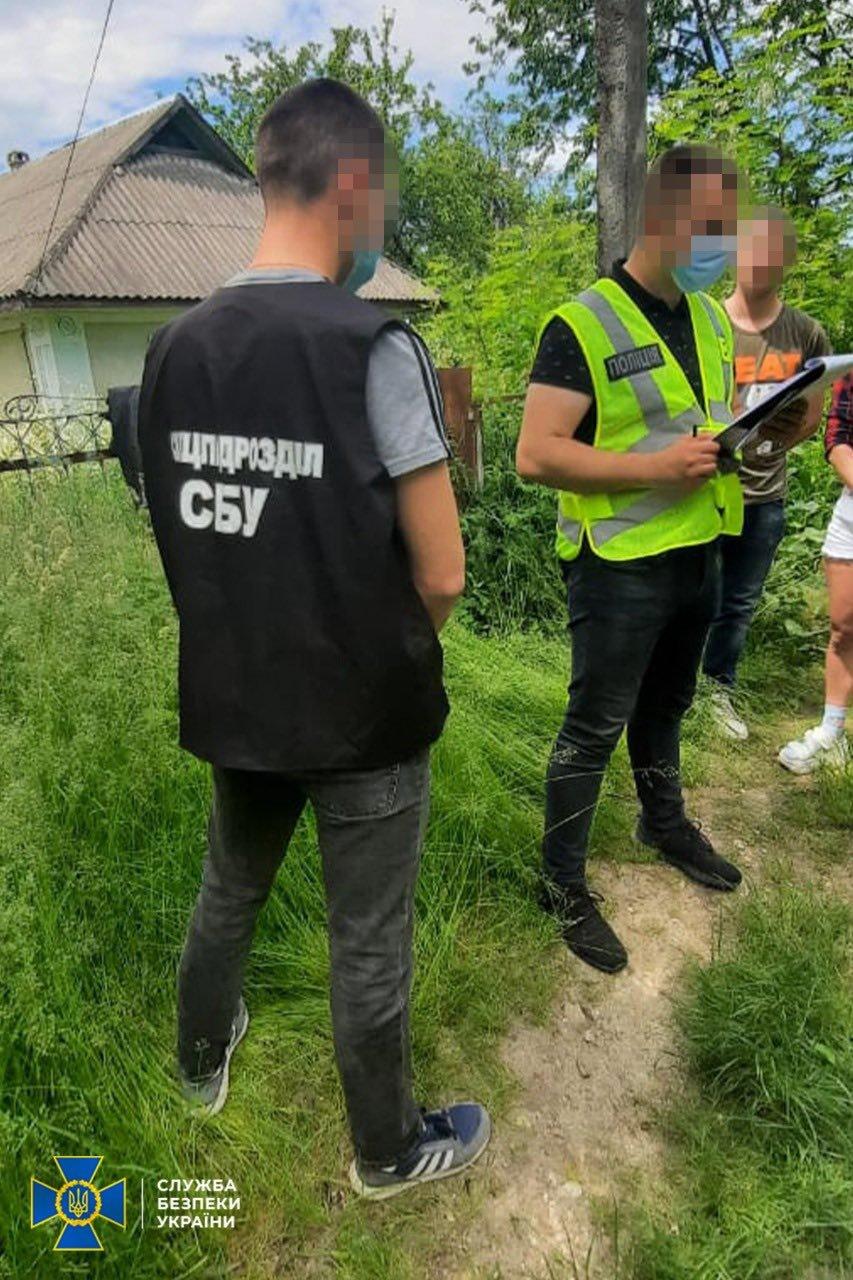 У Хмельницькому СБУ викрили незаконне зберігання зброї та боєприпасів, фото-1