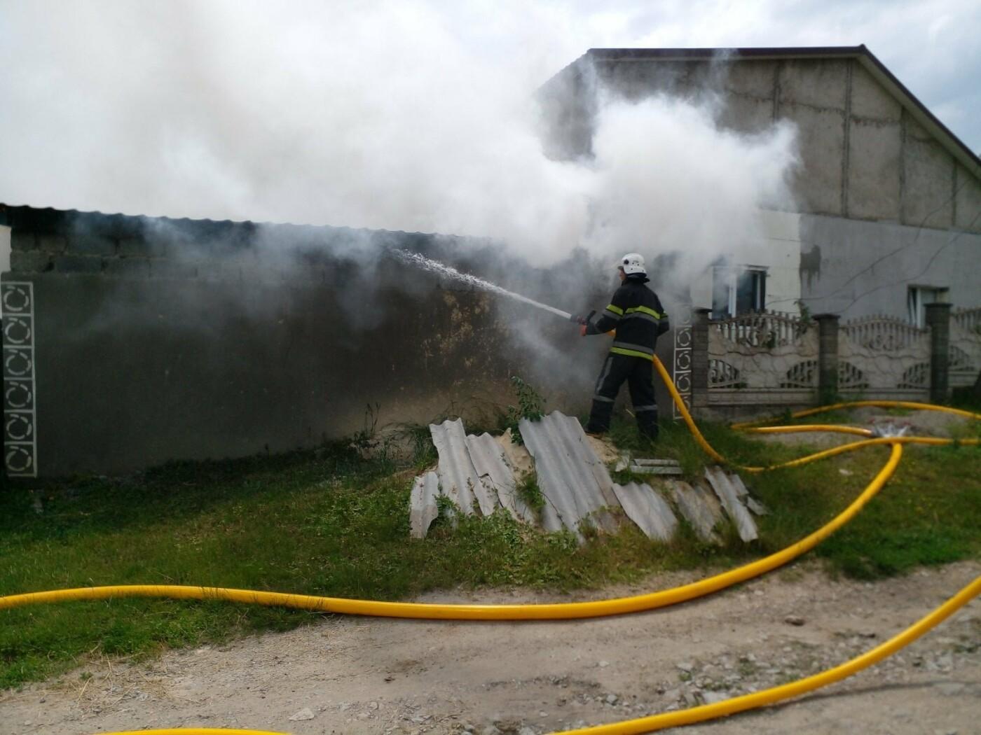 """Пожежа у селі Пудлівці, Фото: """"Служба порятунку 101 Кам'янець-Подільський"""""""