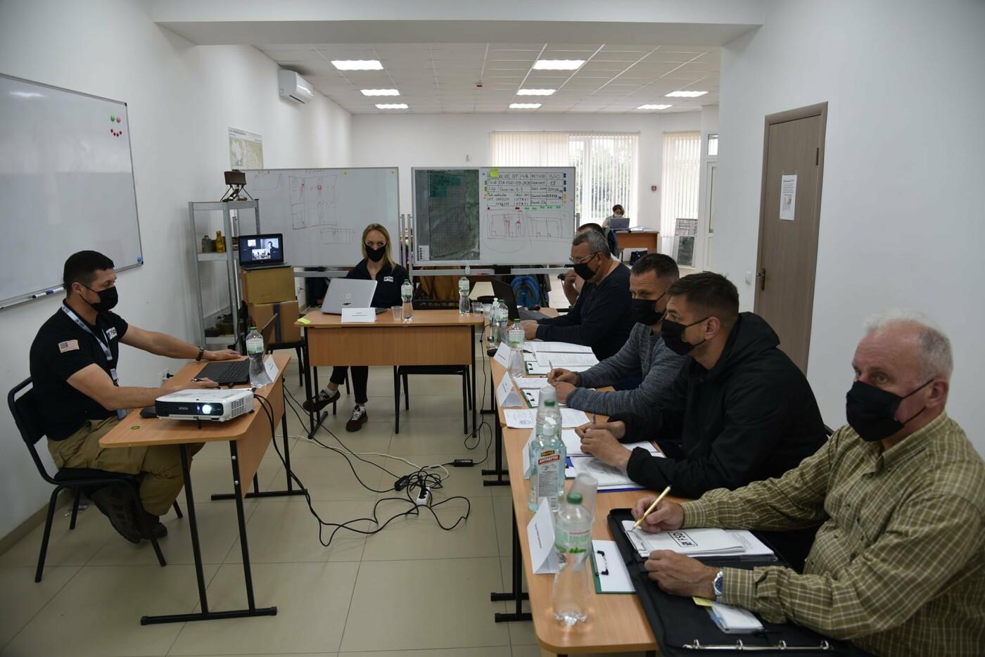 У Кам'янці сертифікували організацію, що займається протимінною діяльністю, фото-1, Фото: пресслужба Військової частини А2641