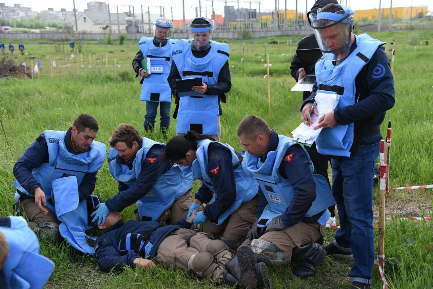 У Кам'янці сертифікували організацію, що займається протимінною діяльністю, фото-4, Фото: пресслужба Військової частини А2641